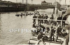 374/Orig. Foto 2.WK Memel 1941 Hafen Pioniere Boote Floß Klaipeda Litauen Brücke