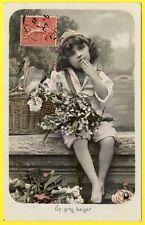 """cpa Belle CARTE FANTAISIE Jeune Fille """"UN GROS BAISER"""" FANTASY Little Girl"""