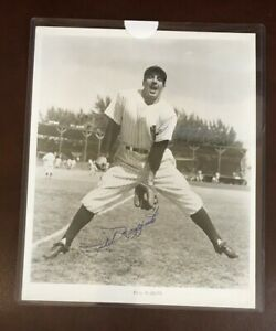 Phil Rizzuto (d.2007) Baseball HOF 1994 Hand Signed Autographed 8x10 Photograph