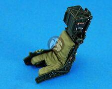 Legend 1/32 Martin-Baker SJU-17 Ejection Seat Set wo/S.Belts (F-18 2 pcs) LF3212