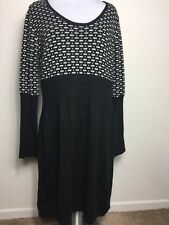 VENUS SIZE LARGE SWEATER DRESS BLACK AND WHITE LONG SLEEVE KNIT FI