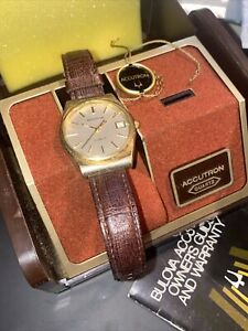Bulova Accutron Quartz 2562.10 1980 (P0) Watch w/ Orig Case And box And Papers