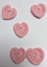 2 rosa Herzen, Häkelblumen, Applikation, Aufnäher, Häkelapplikation, gehäkelt
