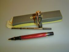 PELIKAN r400 Rollerball, rosso a strisce
