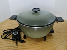 Vtg Westbend Cat #13366 Avocado Green 5 Qt Electric Country Kettle Cooker (L5)