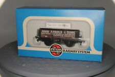 "OO Gauge Airfix 5 plank open wagon ""John Arnold & Sons"" - 54376-1"