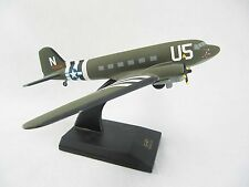 DOUGLAS C-47 DESK TOP DISPLAY MODEL 1/72 SCALE