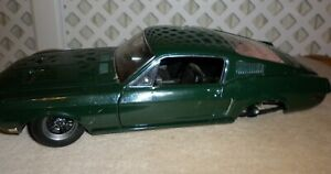 Autoart Ford Mustang GT Fastback 1968 car 1:18th Die- Cast