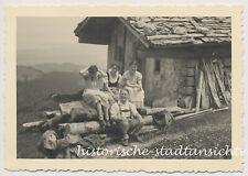 Bergütte am Chiemsee - Tracht Lederhose Drindl Hütte - 2x Altes Foto 1933