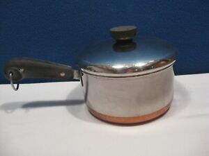 REVERE WARE 1.5 QT  SAUCE PAN WITH LID 1801 Needs some TLC