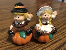 VINTAGE THANKSGIVING PILGRIM CANDLES !    TLC