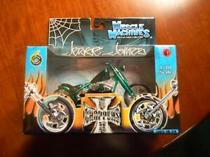 RARE 1:18 SCALE Jesse James West Coast Choppers CHERRY CFL GREEN