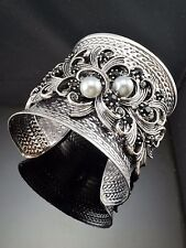 Antique Metal Silver Tone Gray  Faux Pearl Blooming Shape Crystal Cuff Bracelet
