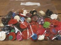 Vintage LOT Antique Mixed Buttons Bakelite and Others - GREAT COLORS!