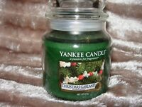 Yankee Candle Christmas Garland Medium Jar 411g NEW