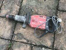 HILTI TE905 AVR 110V HEAVY DUTY DEMOLITION BREAKER VAT INCLUDED FREE POST