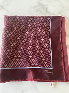 BRIONI  Geometric Burgundy Hand Rolled Silk Pocket Square Handkerchief