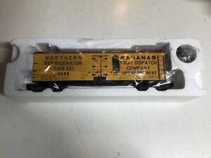 S-HELPER S SCALE 01006 NRCC BANANAS REEFER #6399 New in box