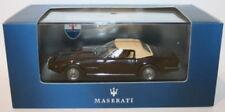 Véhicules miniatures blancs en plastique pour Maserati