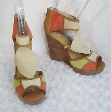 Levity Wedge Sandals Women's Sz 10 Beige Red Green Open Toe Suede Zip Back