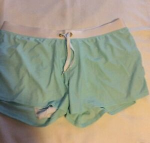 Womans Lined Shorts White Seafoam Green Size 33in Waist Inseam 3in New