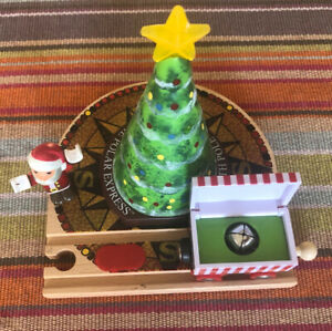 32502 BRIO Wooden Train Polar Express Light Up Tree, Santa & Gift Car! Thomas!