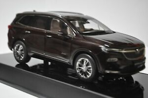 Buick Enclave Avenir car model in scale 1:18 Brown red