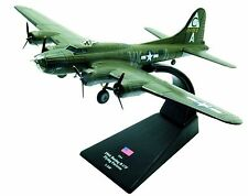 Boeing B-17F Flying Fortress diecast 1:144 model (Amercom LB-2)