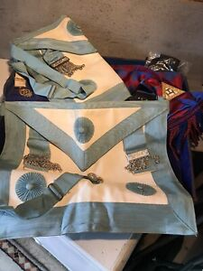 Freemason Regalia In Leather Case 2 Leather Backed Approns 1 Sash 1 Medal 1 Tie
