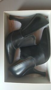 VIVIENNE WESTWOOD Hot Black Leather Heels Brogues Pointy Quirky Shoes UK 6 US 8