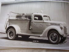 1941 FORD PUMPER ? FIRETRUCK NAVY YARD PORTSMOUTH NH. 11 X 17  PHOTO   PICTURE