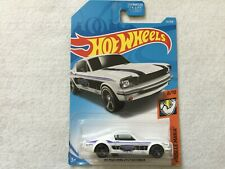 65 Mustang 2+2 Fastback Muscle Mania    Hot Wheels