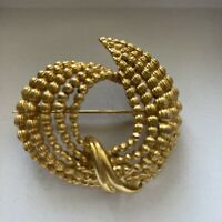 Vintage Costume Jewellery Gold Tone Garland Brooch