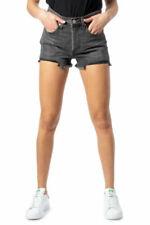 Pantaloncini da donna Levi's