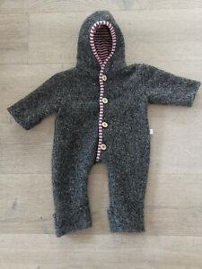 Philomena Handdesign handgemachter Wollwalkoverall Baby Overall grau 68 74