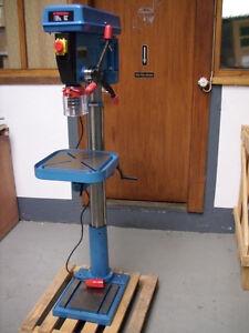 Säulenbohrmaschine, Ständerbohrmaschine, Bohrmaschine 1,5 KW, Bohrleistung 30 mm
