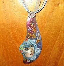 Original Colgante De Concha Ruso Pintado a Mano Sirena cuento de hadas mítica criatura