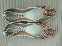 CREAM  / BEIGE   LADIES INDIAN WEDDING PARTY KHUSSA SHOES  SIZE 8
