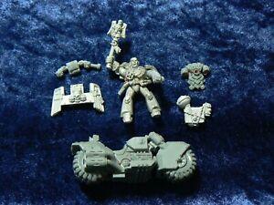 Classic Space Marine Chaplain On Bike Plastic & Metal Warhammer 40K OOP