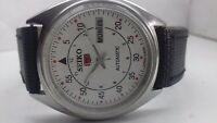 SEIKO 5 AUTOMATIC DAY-DATE WHITE COLOR DIAL NUMERIC FIGURE MAN'S WRIST WATCH