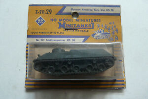 Roco Minitanks HO OO German Armoured Pers. Car Z-211 Schutzenpanzer