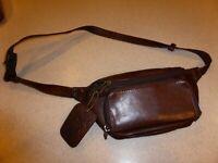 The Walking Co. Fanny Pack Brown Leather Bag Handbag Purse Satchel Belt Pocket