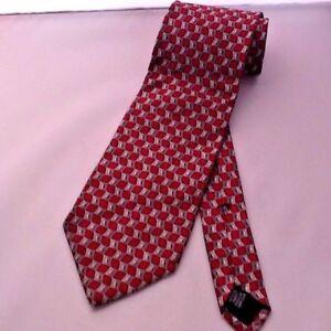 Roundtree & Yorke Men's Neck Tie All Silk Burgandy / Silver Pattern #56641