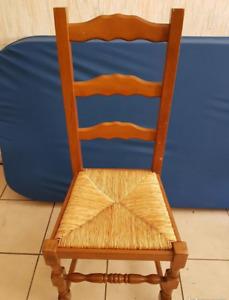 Chaise rustique paillée