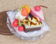 1:12 Scale 3 Cakes On A Glass Plate Dolls House Miniature Food Accessory Nk