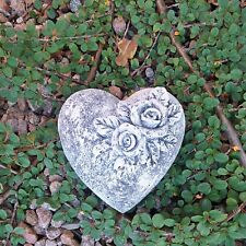 Steinfigur Herz Rosen Blüten Blumen Beete Grab Grabschmuck Steinguss Frostfrei