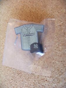 New York Yankees pin stripe jersey w/ cap lapel pin MLB NY