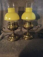 BEAUTIFUL SET OF VINTAGE LAMPS WITH FROSTED YELLOW & CLEAR GLASS LAMP SHADE