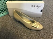 New Womens Soft Style Dress Shoe Size 9 Wide