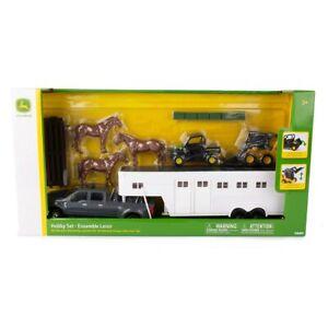 1/32 John Deere Hobby Farm Set With Horses Truck Trailer Gator LP75988 47247